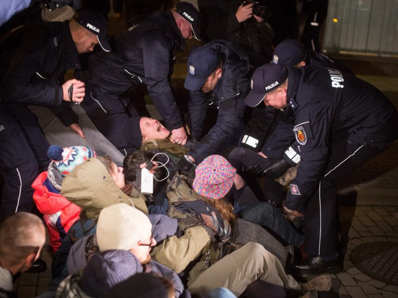 Peaceful protest at the State Forests' headquarters in Warsaw and repression by the authorities